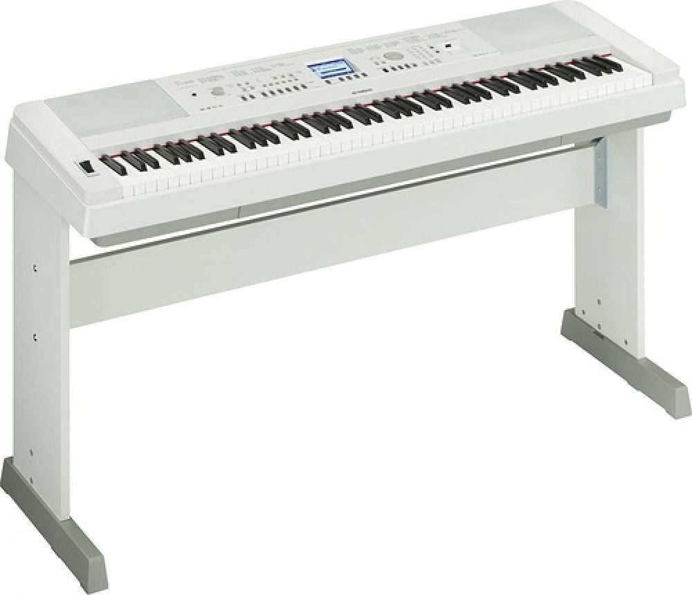 Yamaha DGX-650, £669