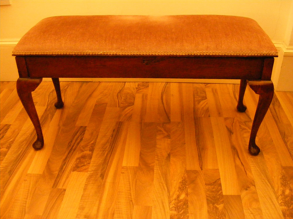 Duet Piano Stool with Cabriole / Queen Anne Style Legs