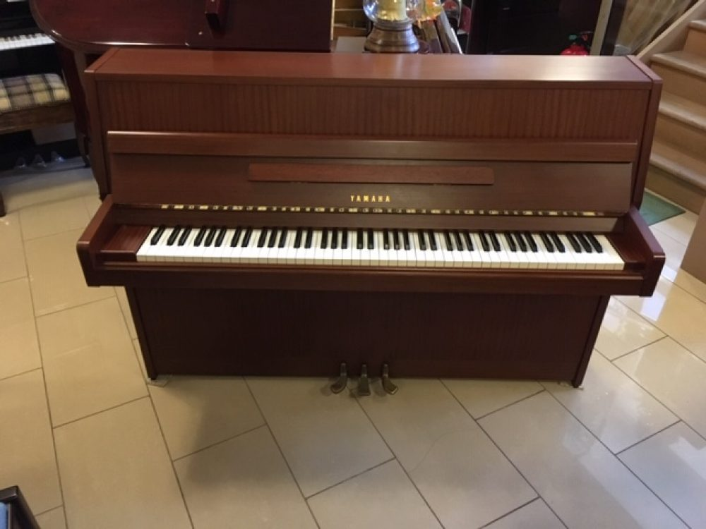 Yamaha M5J Upright Piano