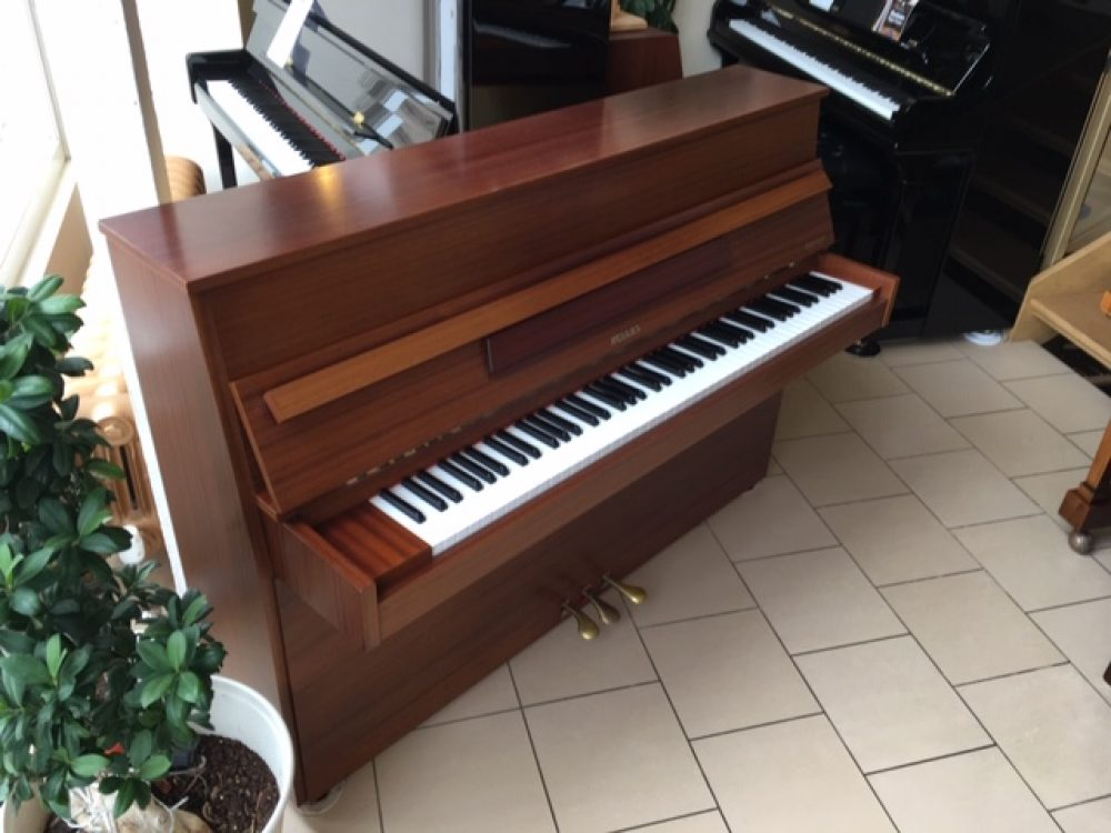 Hellas Upright Piano